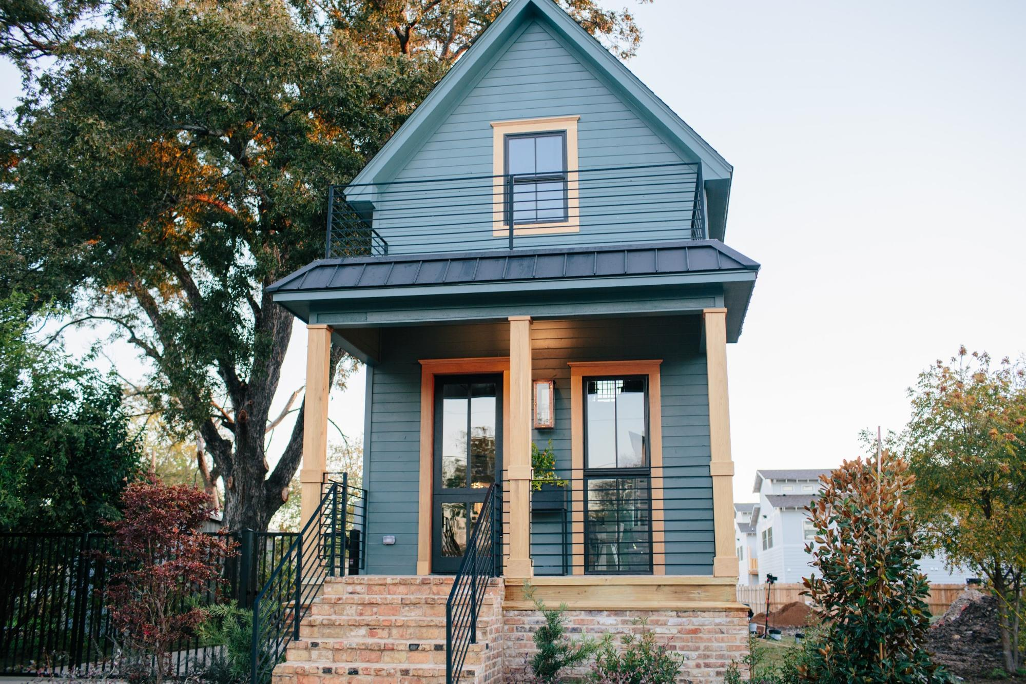 Fixer Upper | Season 3 Episode 14 | The Shotgun House on