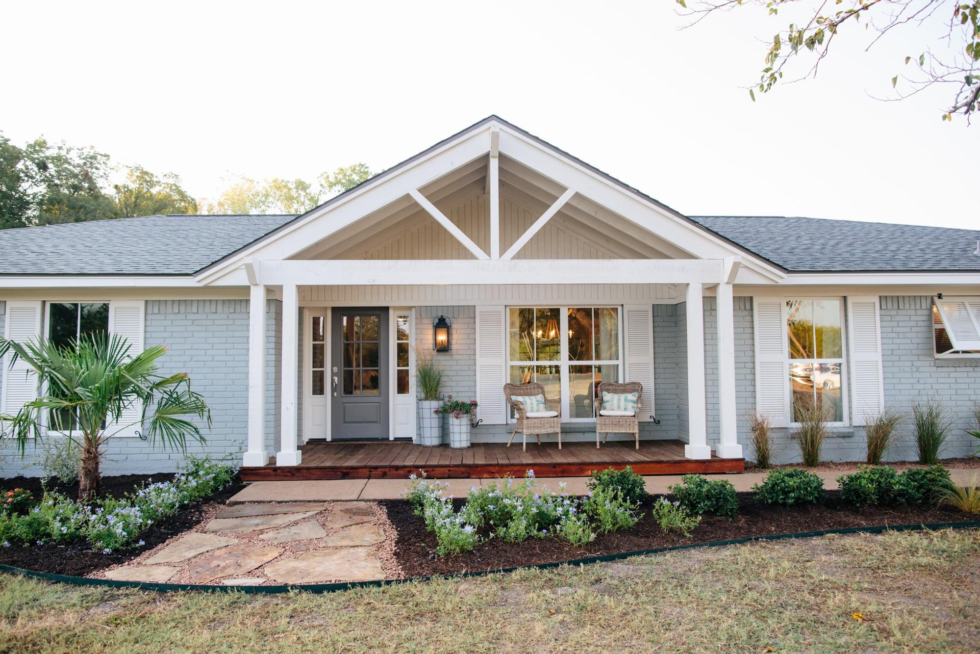 Fixer Upper | Season 3 Episode 13 | The Green Mile House